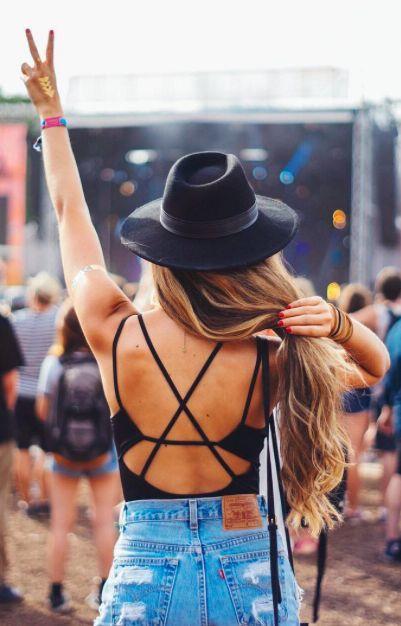 Black hat, boho hat, Coachella style, Coachella accessories, Boho fashion, Coachella looks, Coachella fashions