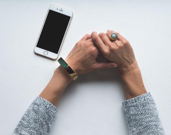 Wise Wear Socialite Collection Duchess smart bracelet in gold