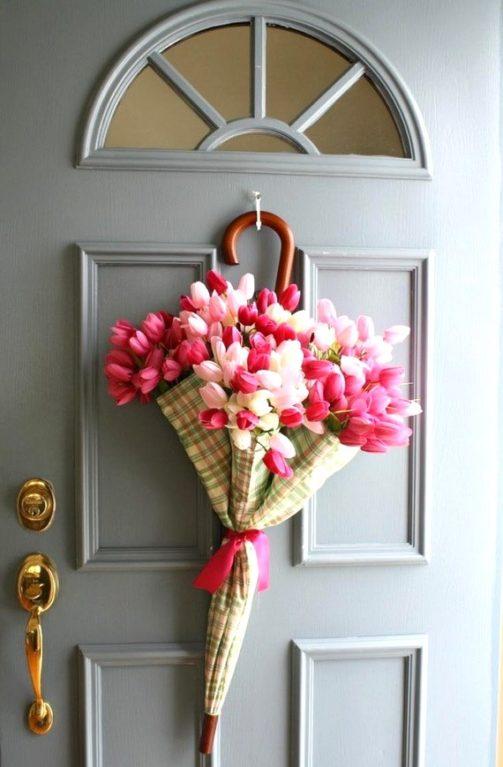 Easter Porch Decor Ideas, Easter wreath ideas, Easter decoration ideas, Easter DIY decor, Spring umbrella wreath