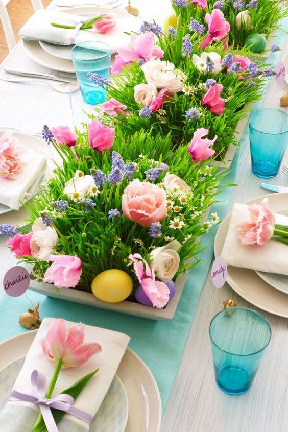 Flower and egg Easter centrepiece, DIY egg centrepiece, Easter decoration ideas