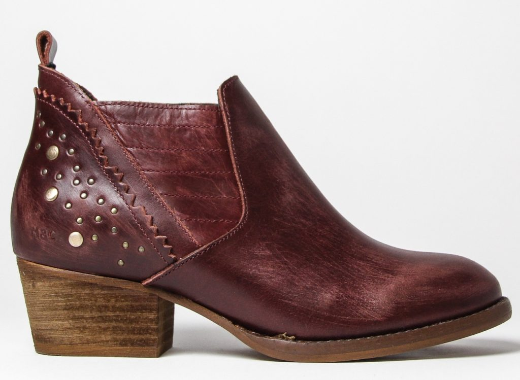 Musse & Cloud Chelsea burgundy booties