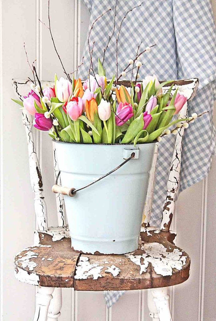 Tulip bucket, Easter DIY ideas, Easter decoration ideas, Easter DIY flower decor