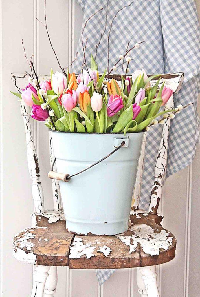 Tulip bucket, Easter DIY ideas, Easter decoration ideas, Easter DIY flower decor