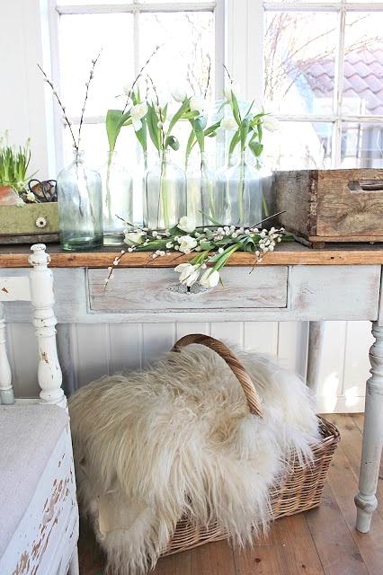Flower jar decor, Easter DIY ideas, Easter decoration ideas, Easter DIY flower decor