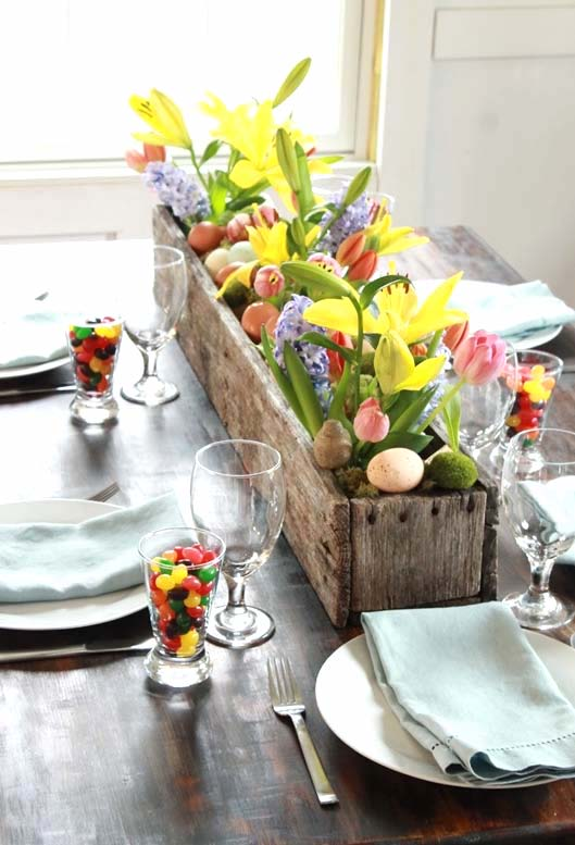 Easter centrepiece ideas, Easter DIY planter, Easter decoration ideas, Easter flower and egg planter