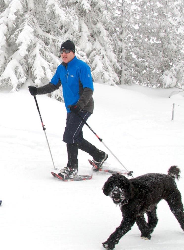 Benefits of exercise, exercise with dog workouts, exercise tips with dog, families exercise with dog, running exercise with dog, exercise ideas with dog, snowshoeing with dog