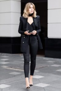 Black skinny pants, Stylish outfits for women, Stylish outfits for fall, Stylish outfits for winter, Stylish outfits for autumn, Comfy stylish outfits