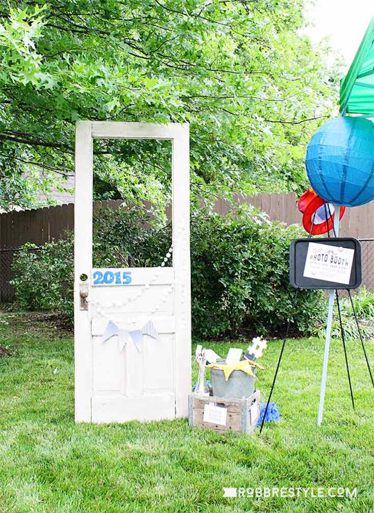 DIY graduation party ideas photo booth