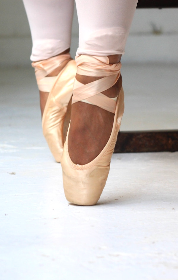 Pointe dance shoes