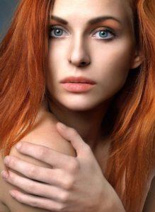 Natural beauty redhead girl_pin