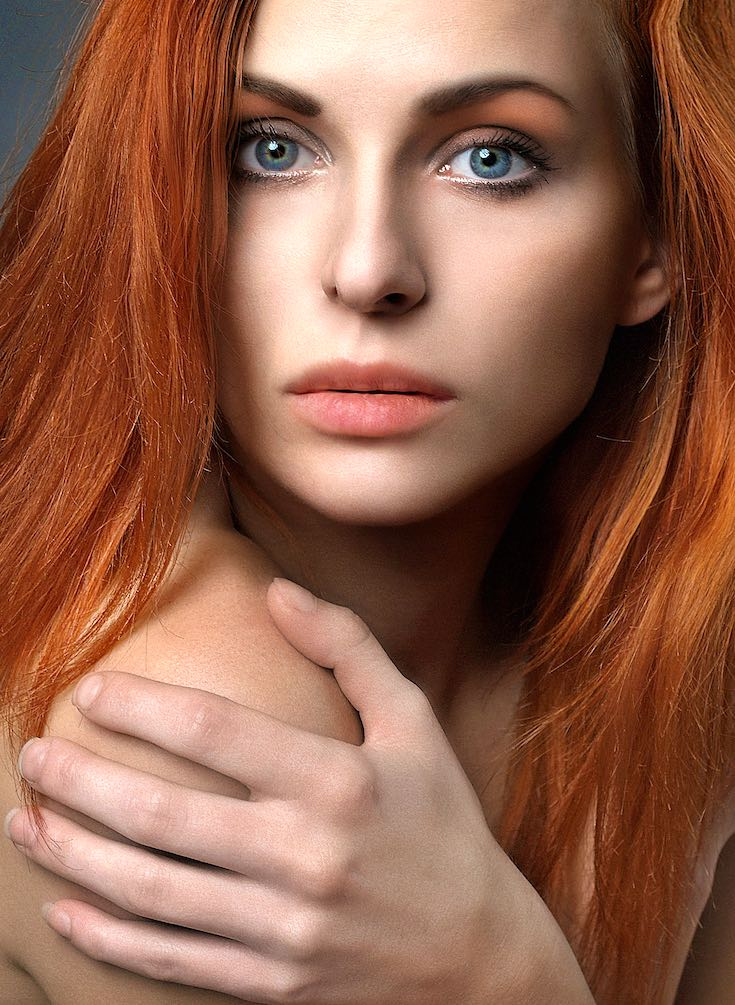 Natural beauty redhead girl_pin