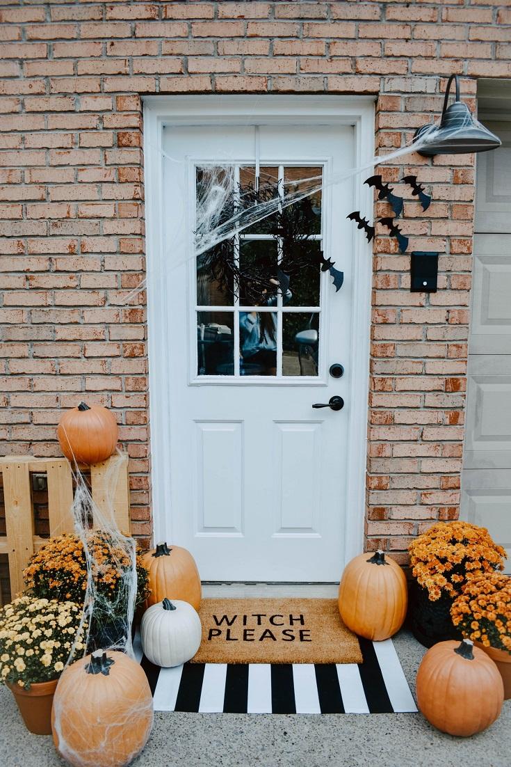 Entrance Halloween doormat decor