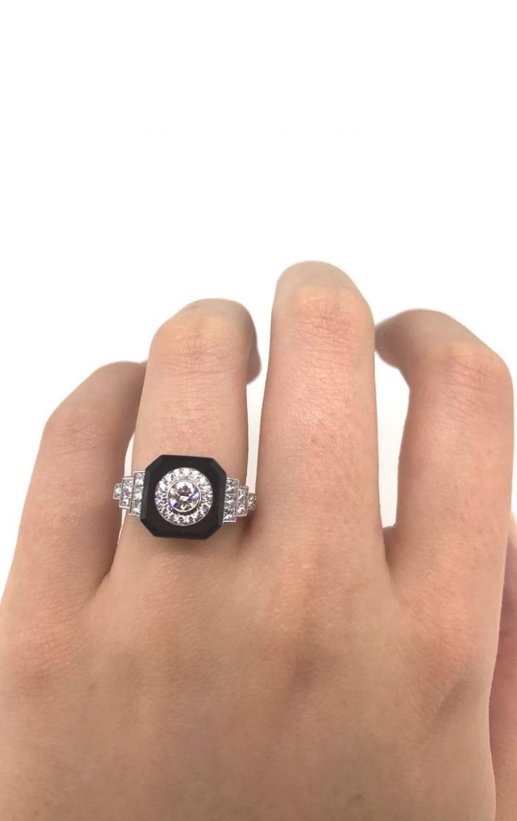 18K white gold 0.81CT diamond and onyx ring