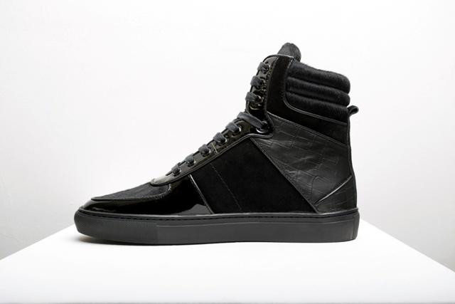 Ushuu all black hi-tops