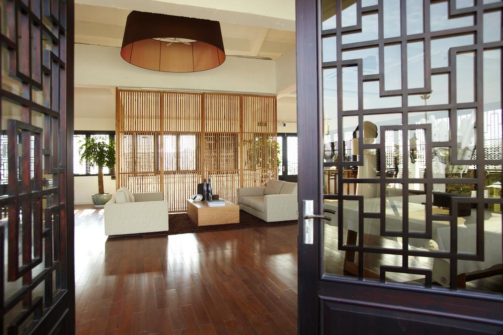 Wooden floors for asian themed living room