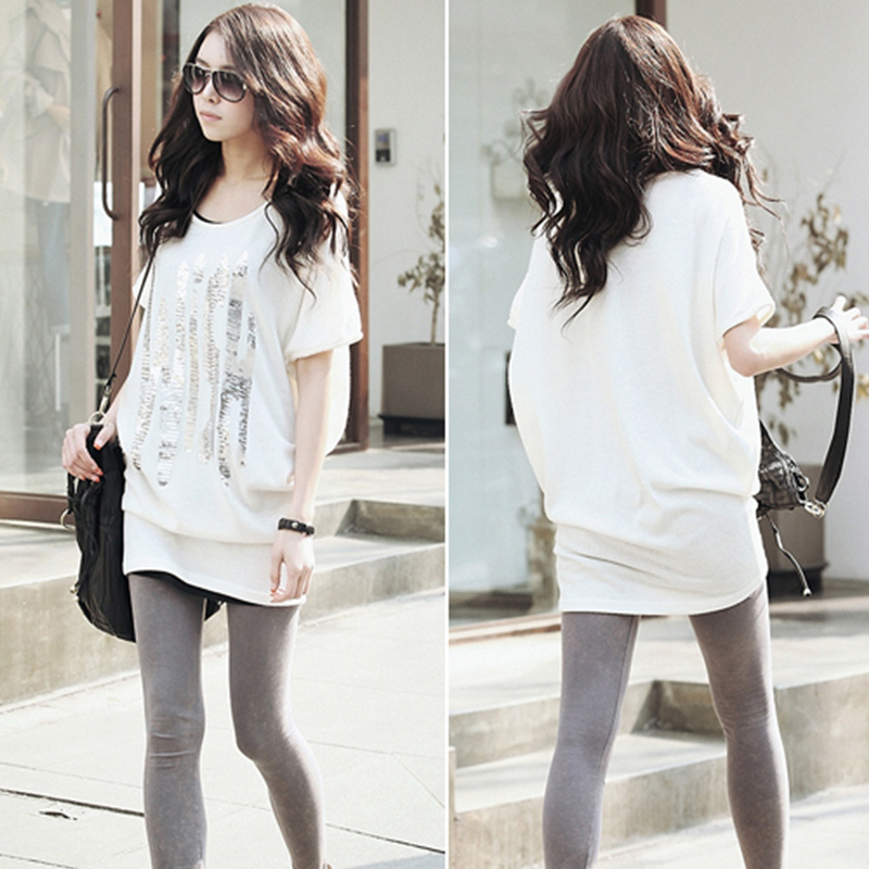 Wholesale womens casual tops - Loose batwing top with short sleeves, hip-hugging
