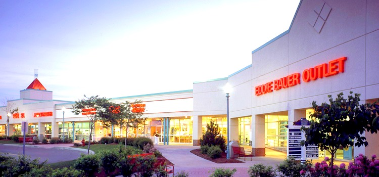 6a8e77a6868f 10 Outlet Shopping Destinations For Eastern Canada – The Wardrobe ...
