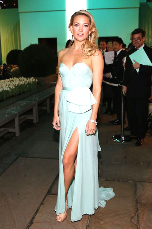 Kate Hudson Tiffany blue chiffon slit strapless cocktail dress