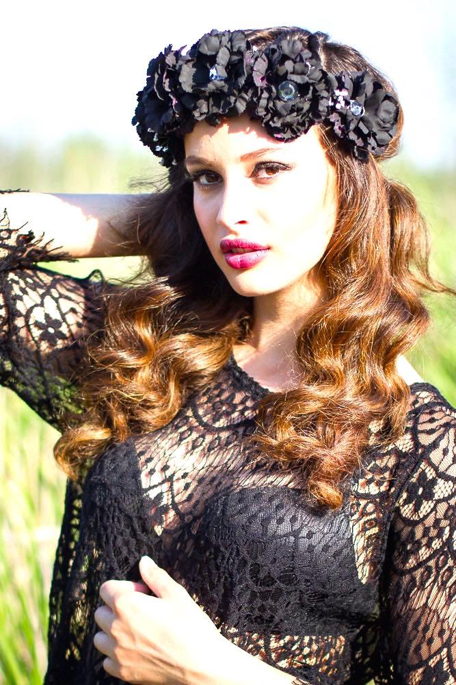 laila-in-black-diy-floral-crown-3