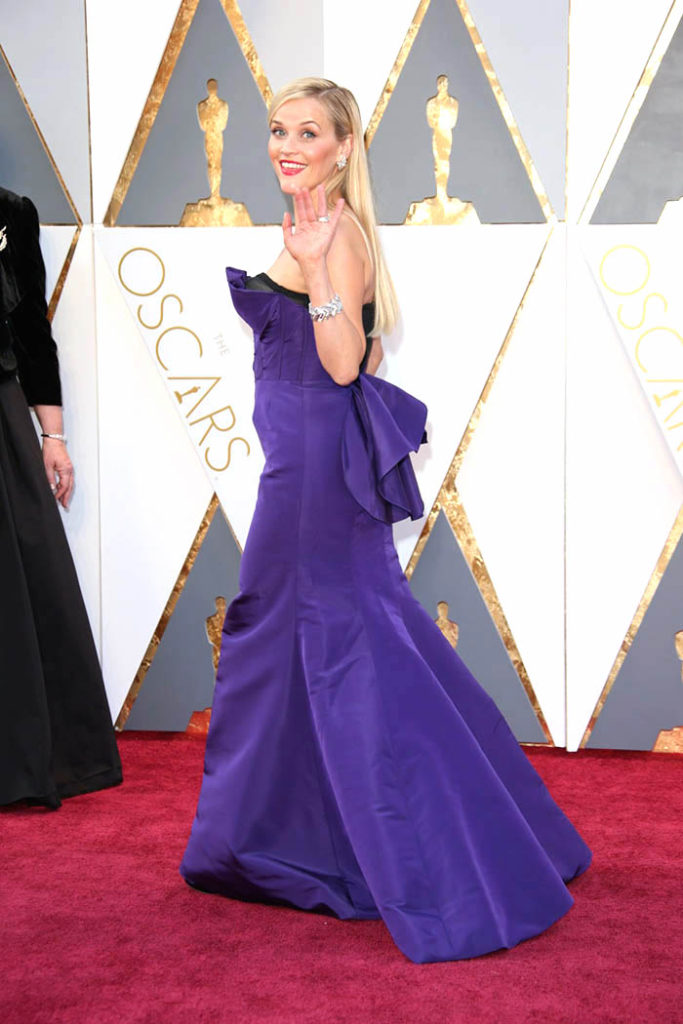 Reese Witherspoon Oscar purple dress with tail