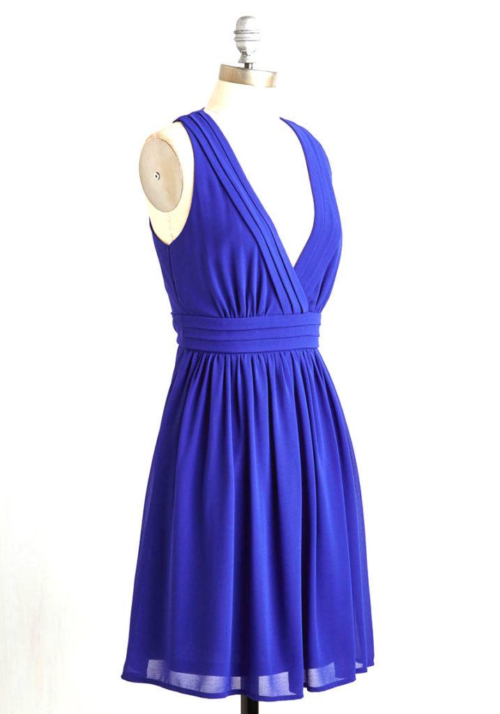1 point fold halter V neck short bridesmaid dress