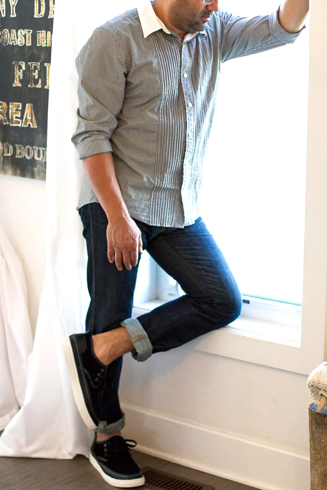 Tizqar slip on shoes in onyx with jeans and gingham shirt