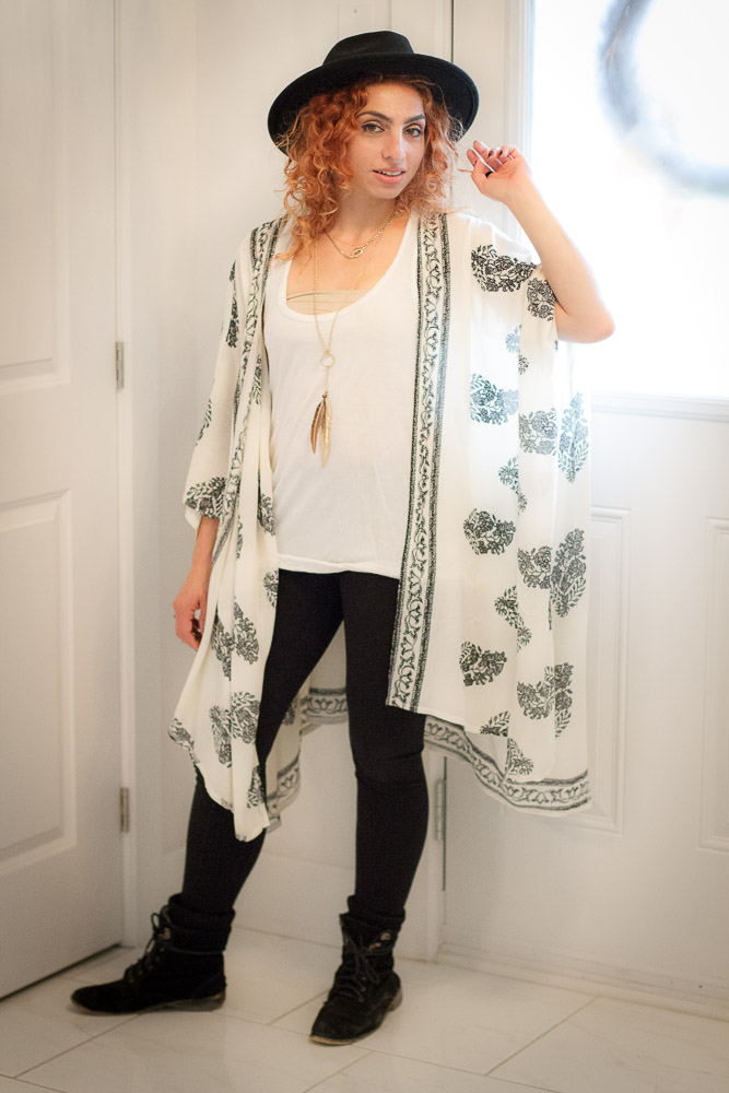 kimono-and-leggings-outfit-with-black-hat