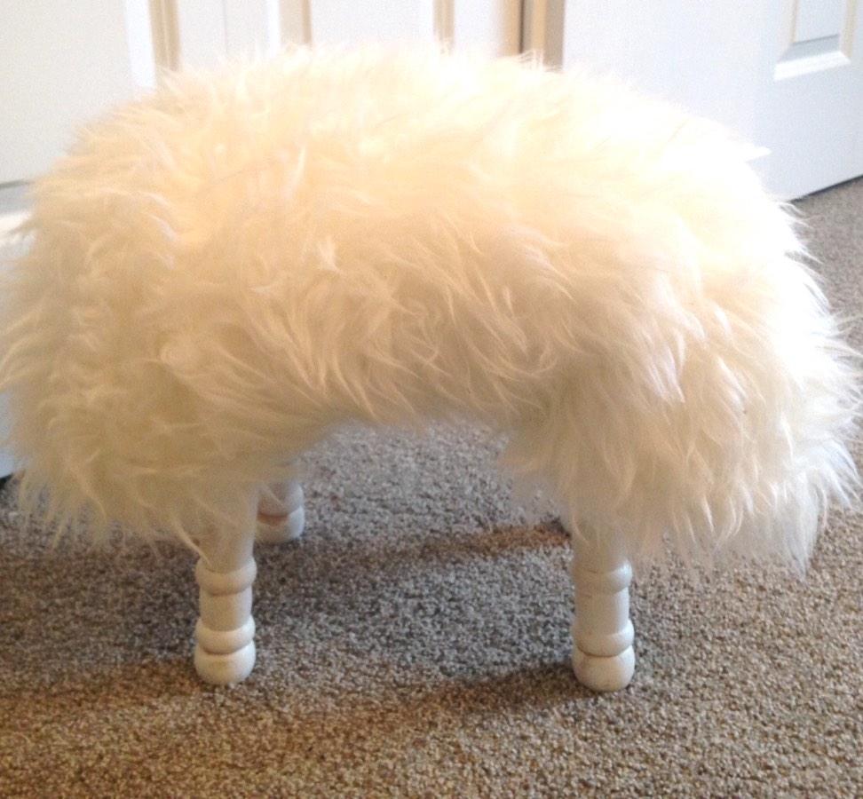 sheepskin-foot-stool-finished-product