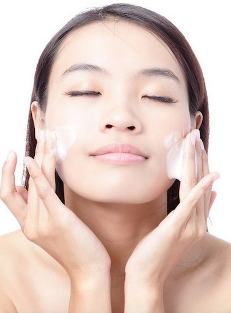 6 Ingredients to Avoid in Your Skin Care Routine