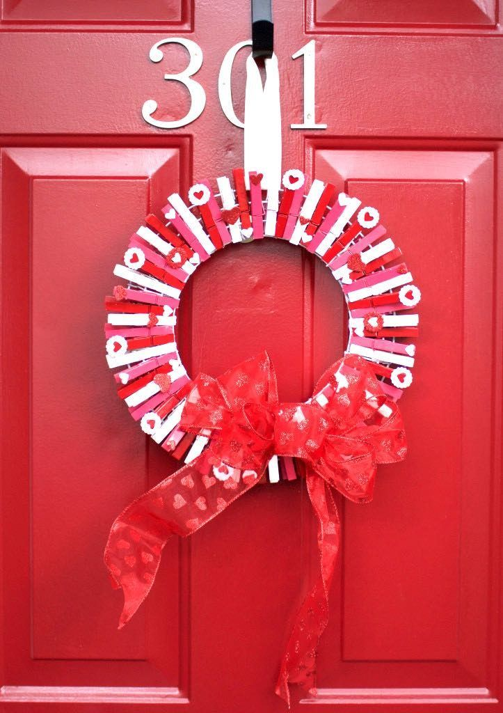 Valentines Day clothes pin wreath
