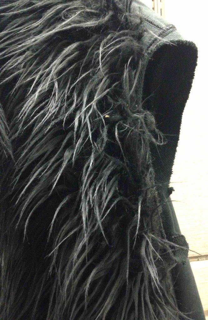 Fur vest armhole