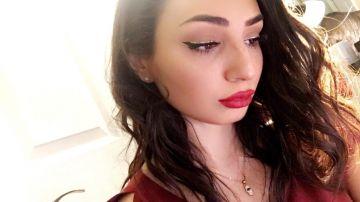 sarah-christmas-makeup-hollywood-glam-look-1