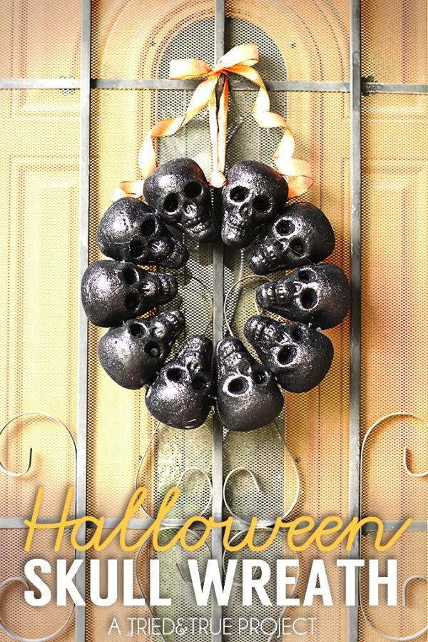 DIY Halloween skull wreath
