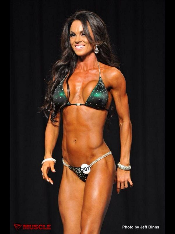 weight lifting for women competition, fitness model, women weight lifting